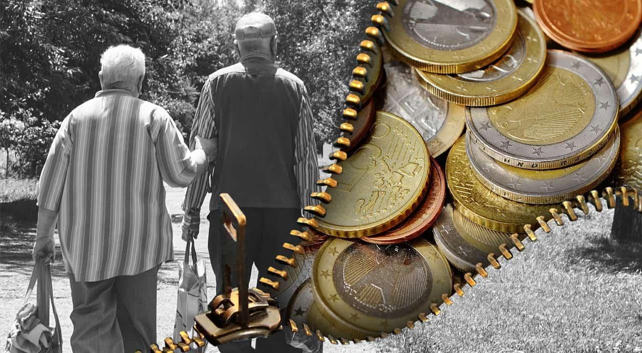 כסף וזוג זקנים