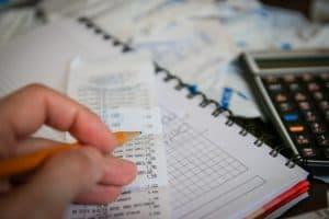 בדיקת חשבוניות
