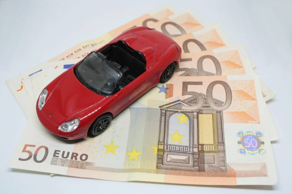 כסף ומכונית